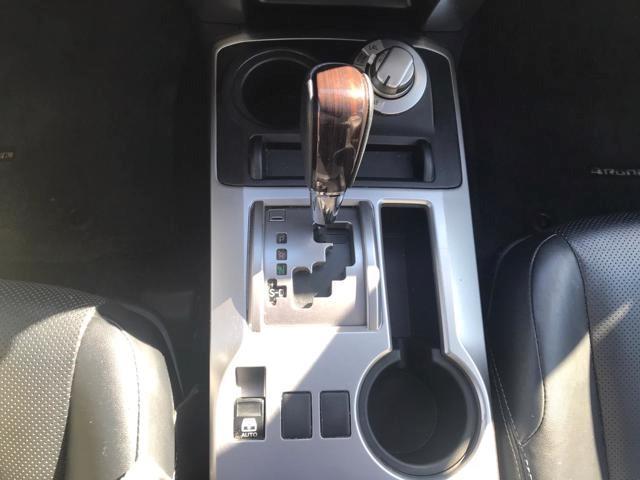 Toyota 4Runner 19