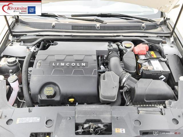 Lincoln MKS 8