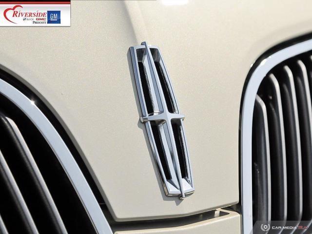 Lincoln MKS 9