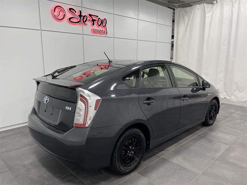toyota Prius 2015 - 8