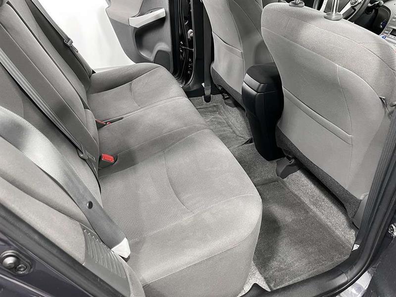 toyota Prius 2015 - 10