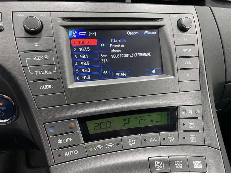 toyota Prius 2015 - 18