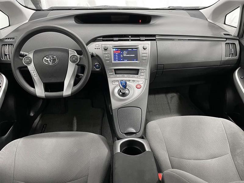 toyota Prius 2015 - 24