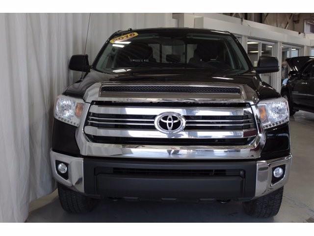Toyota Tundra 2