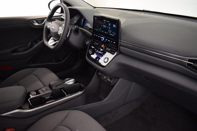 Hyundai Ioniq 26