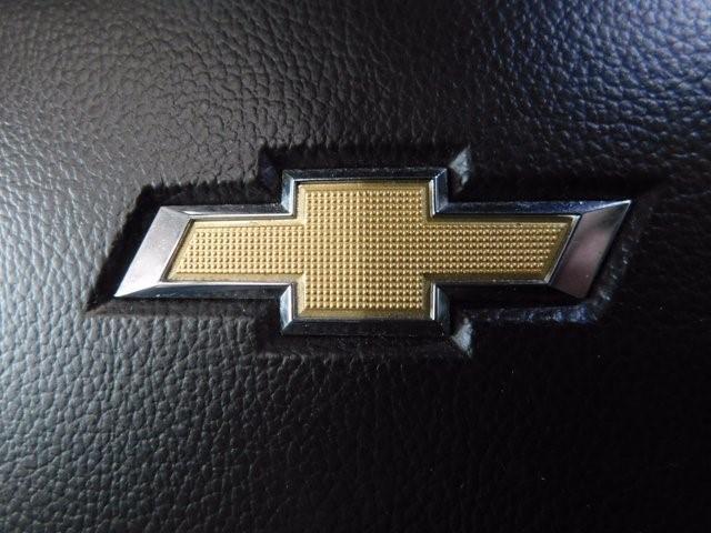 Chevrolet Suburban 21