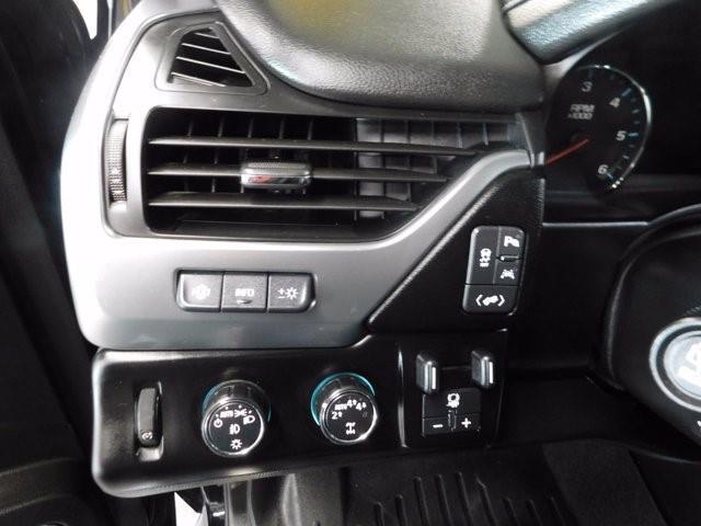 Chevrolet Suburban 24