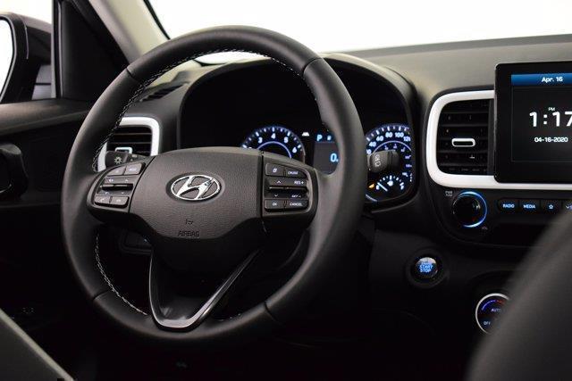 Hyundai Venue 14