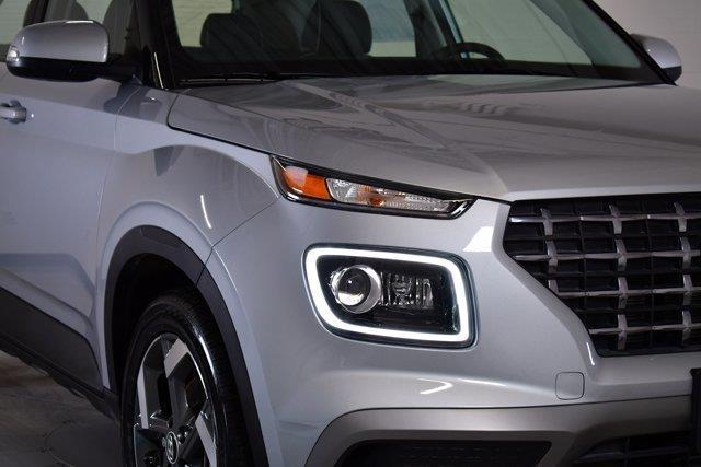 Hyundai Venue 29