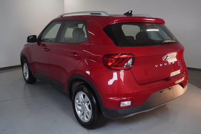 Hyundai Venue 7