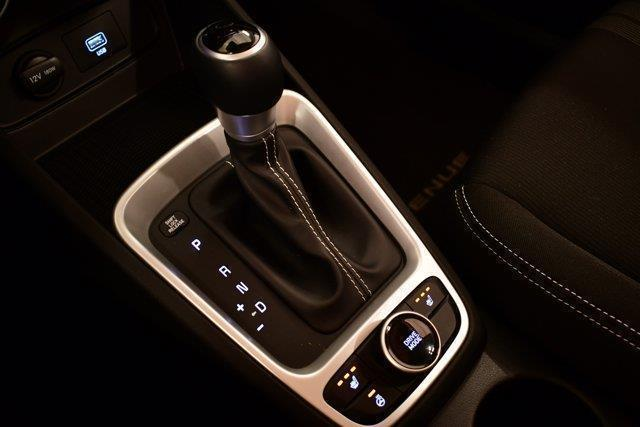 Hyundai Venue 24