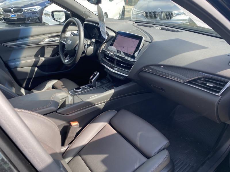 Cadillac CT5 4