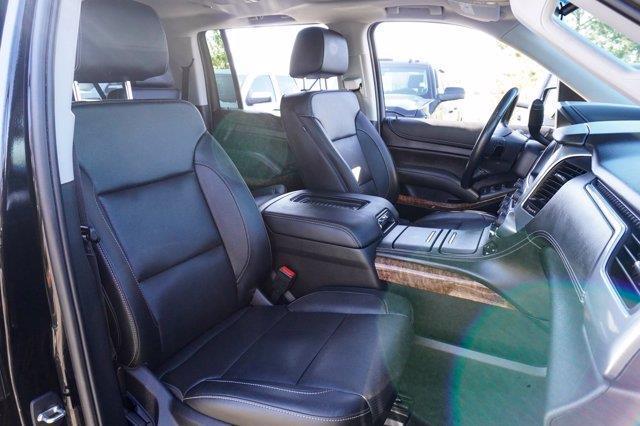 Chevrolet Suburban 17