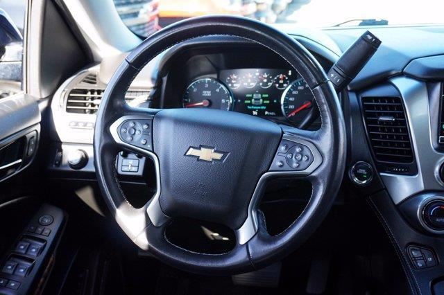 Chevrolet Suburban 30