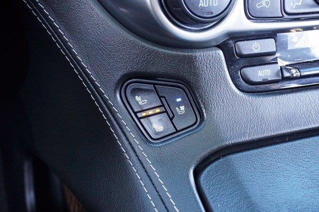 Chevrolet Suburban 32