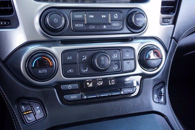 Chevrolet Suburban 33