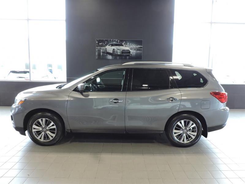 Nissan Pathfinder 2018 SV  4x4