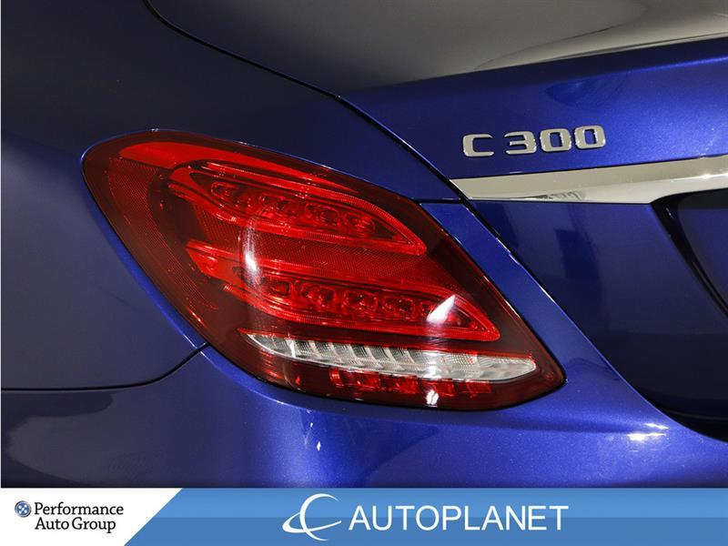 Mercedes-Benz C300 12