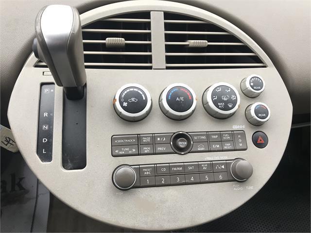 Nissan Quest 18