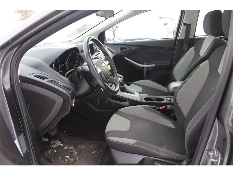 Ford Focus Sedan 7