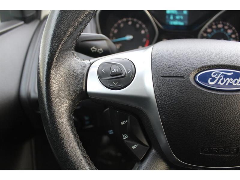 Ford Focus Sedan 12