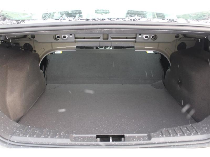 Ford Focus Sedan 19