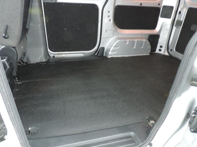 Nissan NV200 11