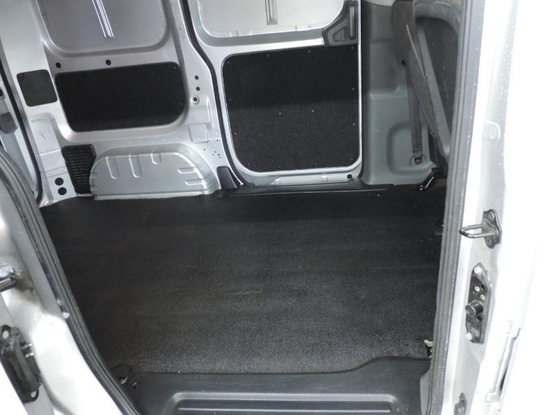 Nissan NV200 12
