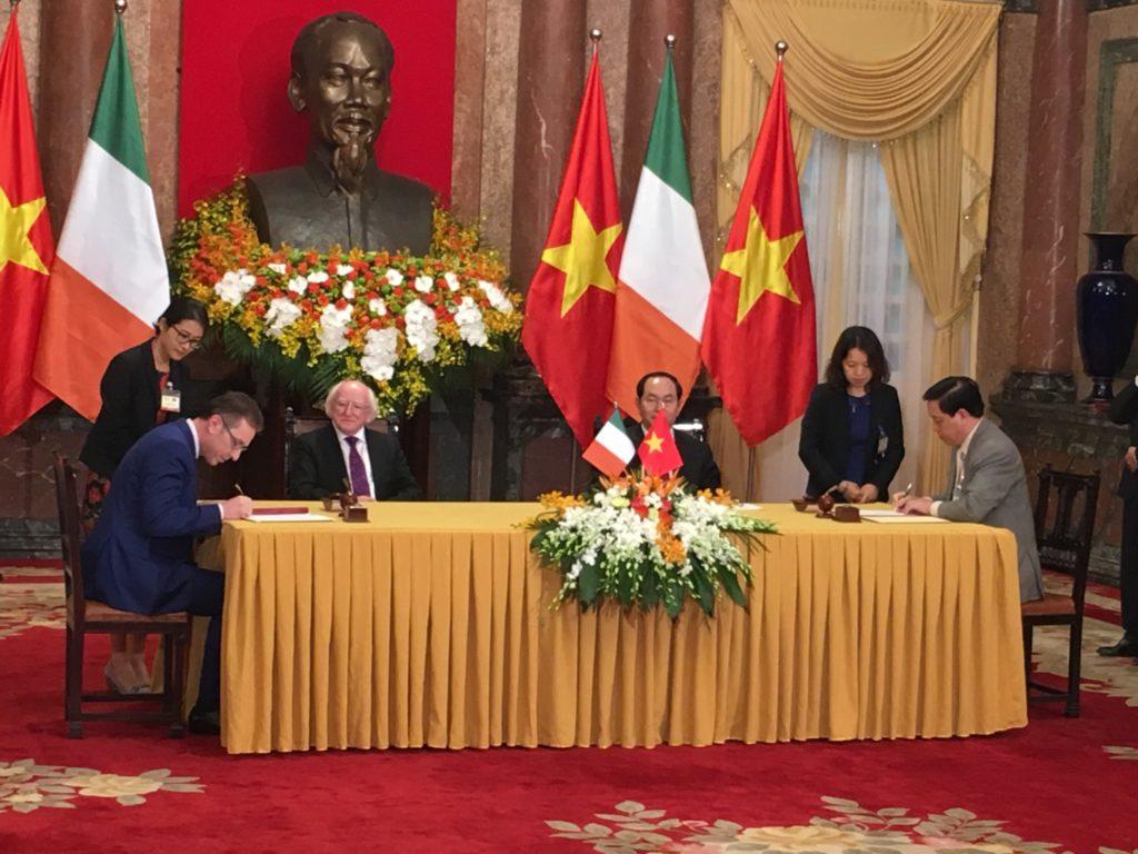 vietnam-signing