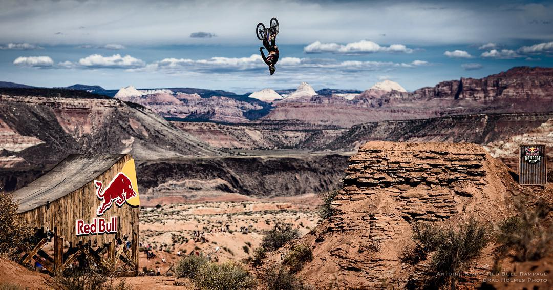 Here's another one of the #canyongap @antoinebizet flipping it in qualifying.