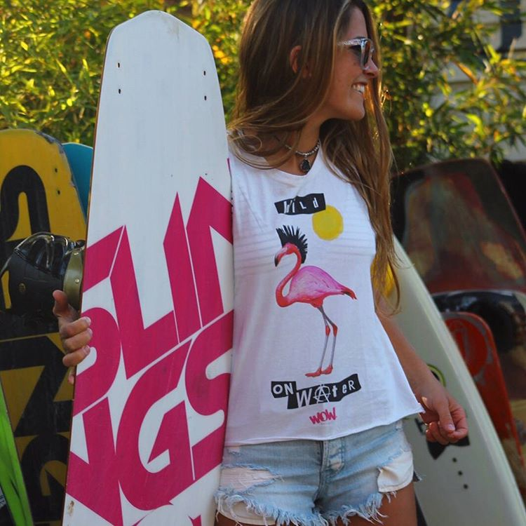 #FridayWOW con la mejor actitud. Constanza y #Tshirt #Flamencopunk Muy canchera para los días de calor. Ponete tu #WOW #wowverano #instawow