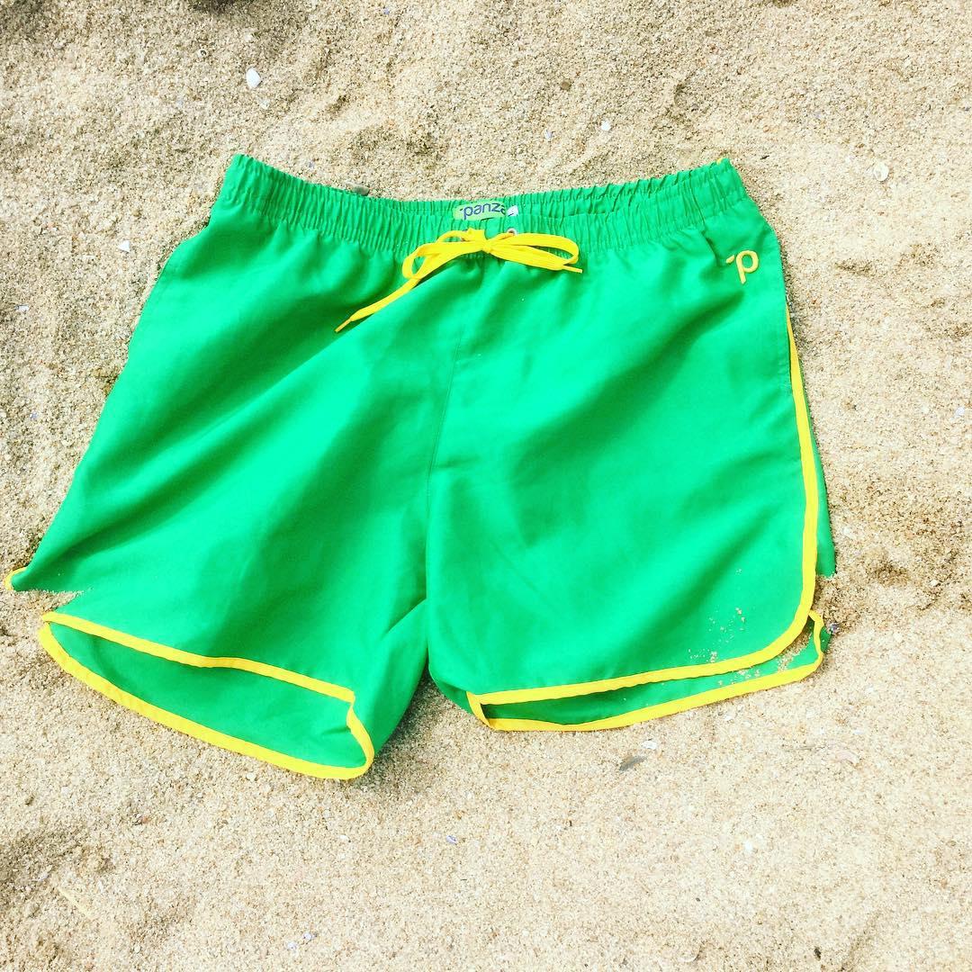"""#unpanzaxdia Hasta el 31 de diciembre  #Hoy  Panza mitch buchan """"Decime que se siente"""" encontralo en el boliche online en www.panzapeople.com  o en nuestros locales amigos  GARPA TENER PANZA  #verano #summer #beach #beachlife #swimtrunks #beachwear..."""
