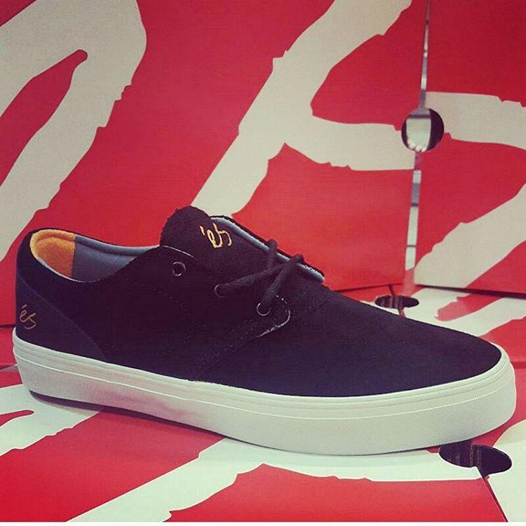 Damos garantia que estas se la bancan #esfootwear #esskateboarding #buyskaterowned #avstafe4096 #avstafe3679