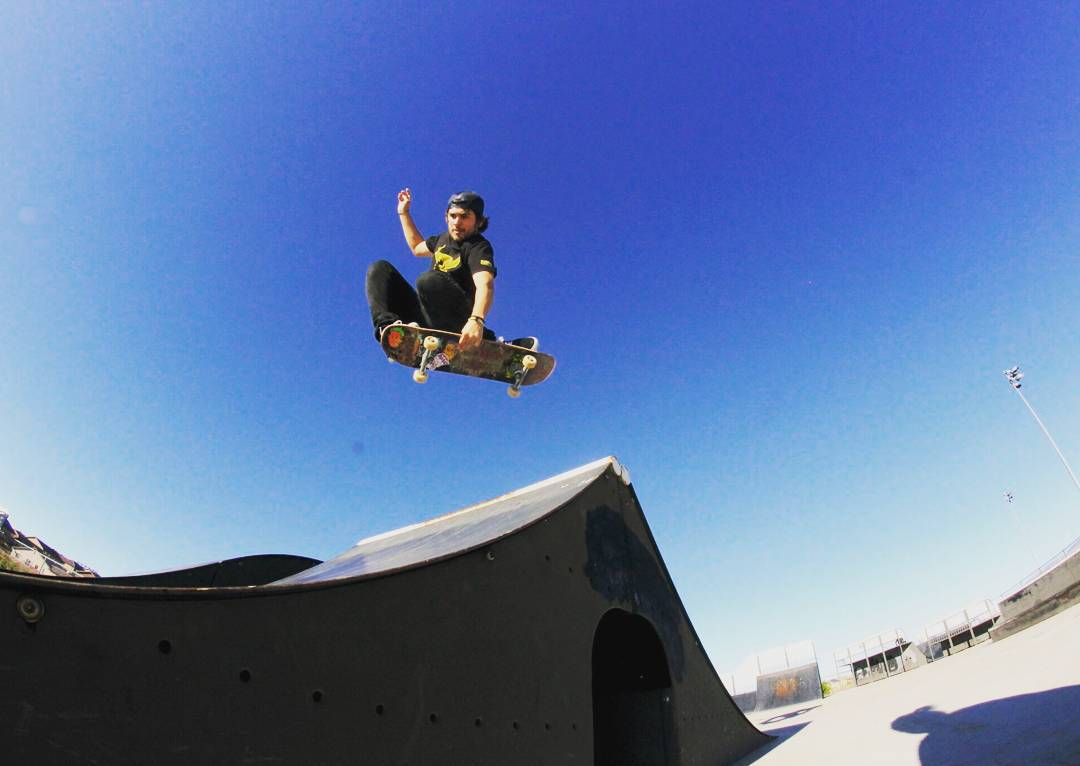 James Tracey--@deadbear13 flying on the Facemelt Street deck!