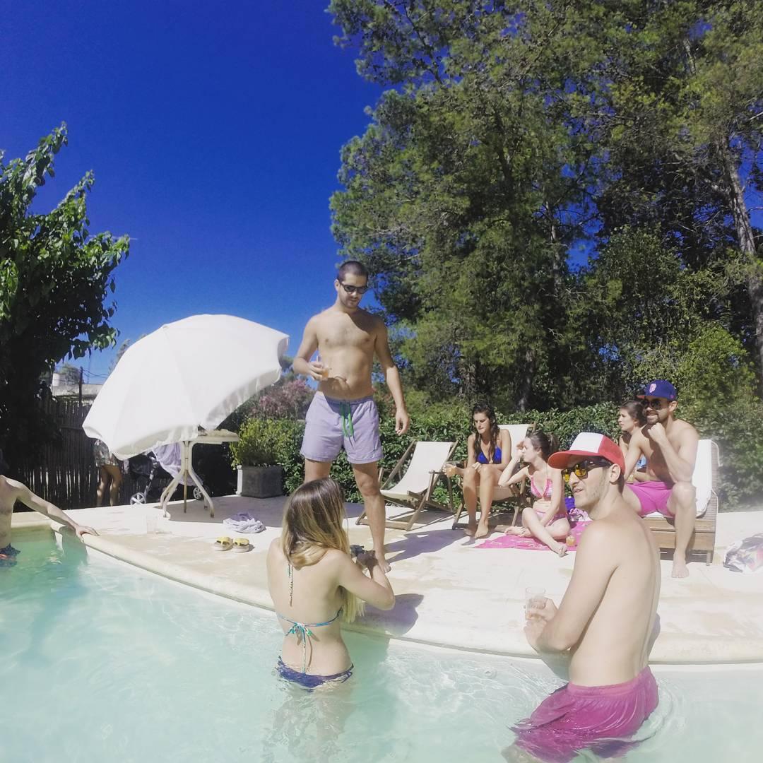 Aguanten un toque que ya estan por llegar los dias de #poolparty.  Mientras, podes encontrar tus panza y tus camisanis en www.panzapeople.com o en los locales amigos.