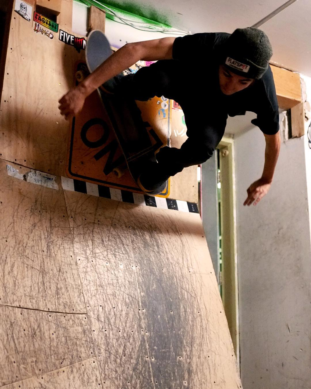 Team rider @sho_ouellette gets high on the wallride at @flatspotshop.