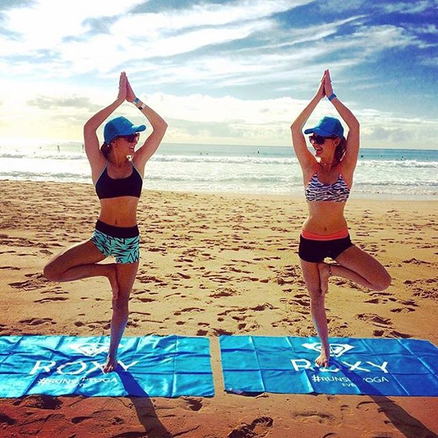One of our favorite #RUNSUPYOGA Sydney shots from yesterday. Thanks for sharing @elena_babazogli ✌