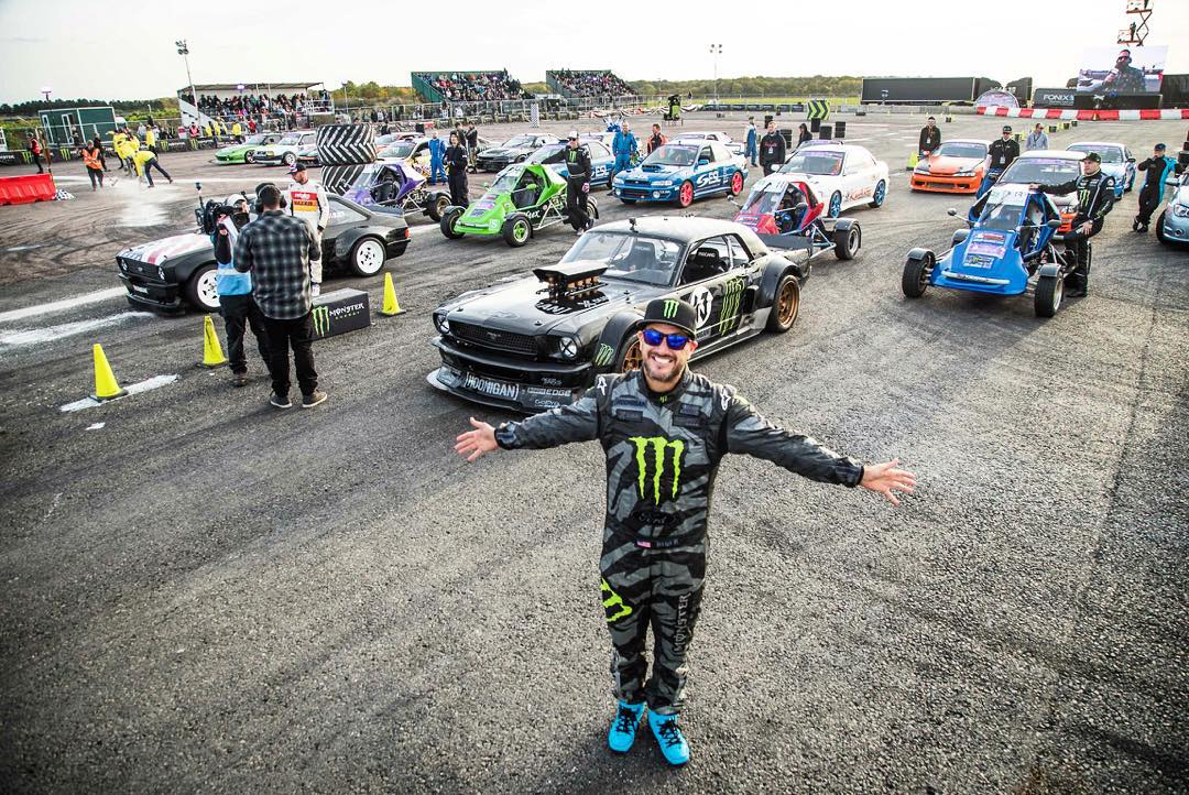 About to start the @GymkhanaGrid Final here at Santa Pod with all these fine hoon machines behind me. Tune in on @MonsterEnergy's YouTube channel now to watch the event live! #GymkhanaGRID #Hoonicorn #GymkhanaEscort