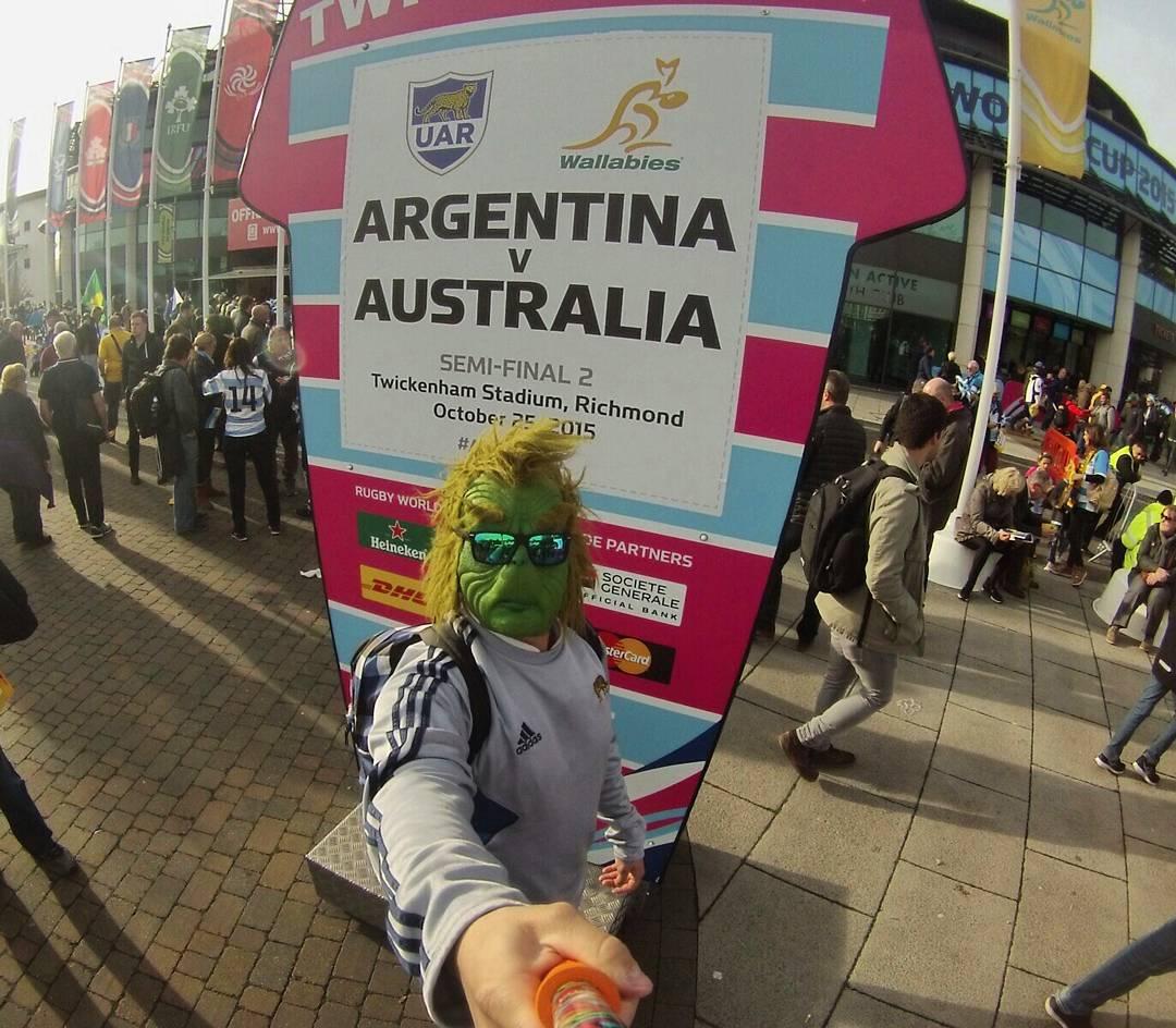 #TheZephyrGrinch en la semifinal, apoyando a #LosPumas! Orgulloso de ser #Argentino!