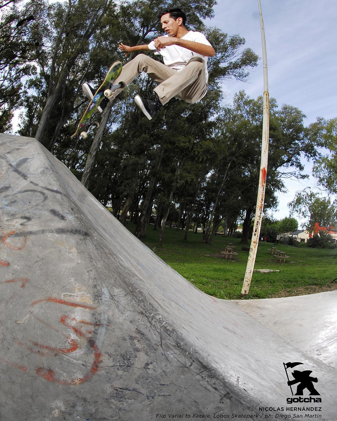 Nicolas Hernandez. - Flip Varial to Fackie -  Ph: Diego San Martin  #skateboarding #iconsneverdie