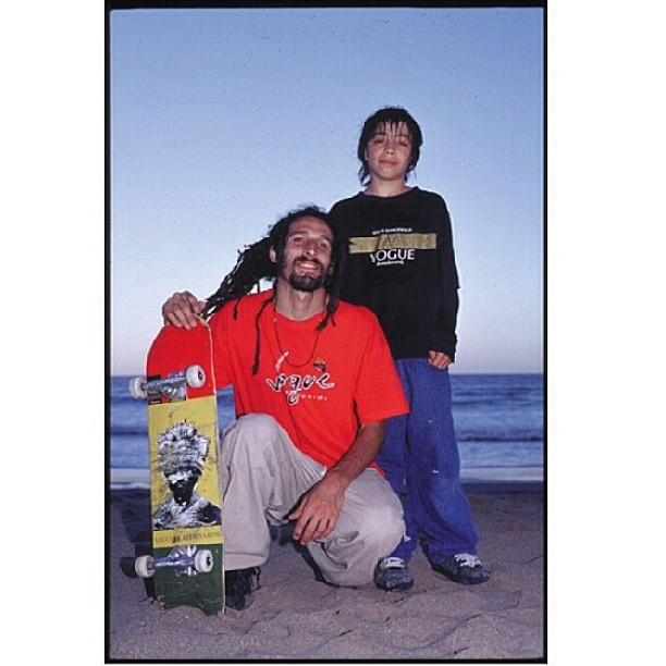 @latabla y su nota a dos generaciones del #skateboardingargentino @mariano_gonzalez_vog @miltonskatee padrino y ahijado #vogskateboards