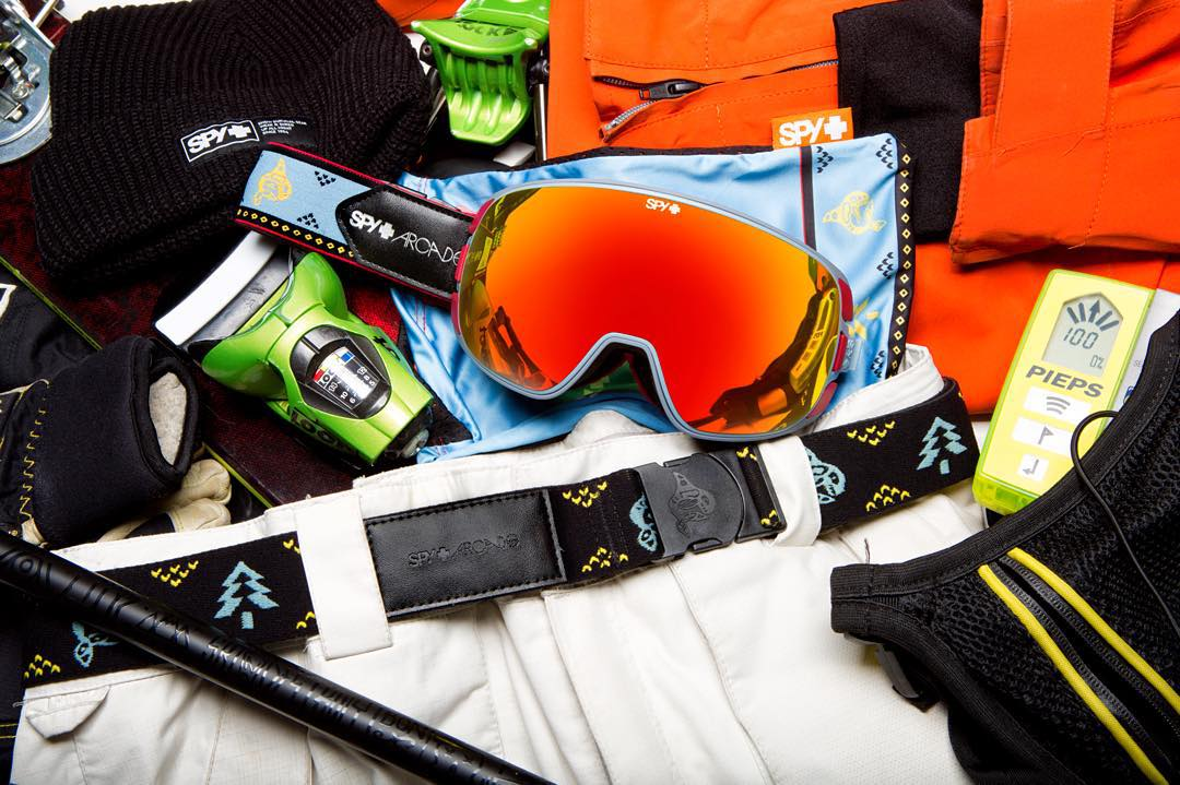 Happy Face. Happy Waist. Stay strapped in with the SPY + @arcadebelts snow goggle and matching belt, available now through the link in our bio. #SEEHAPPY