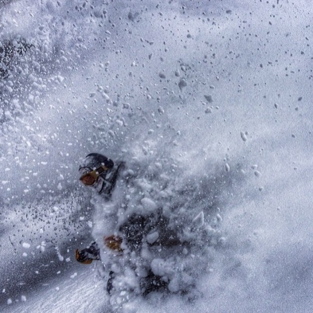 Such a sick pic from @ballinbu. Brad, and crew have been absolutely crushing this winter at @aspensnowmass!