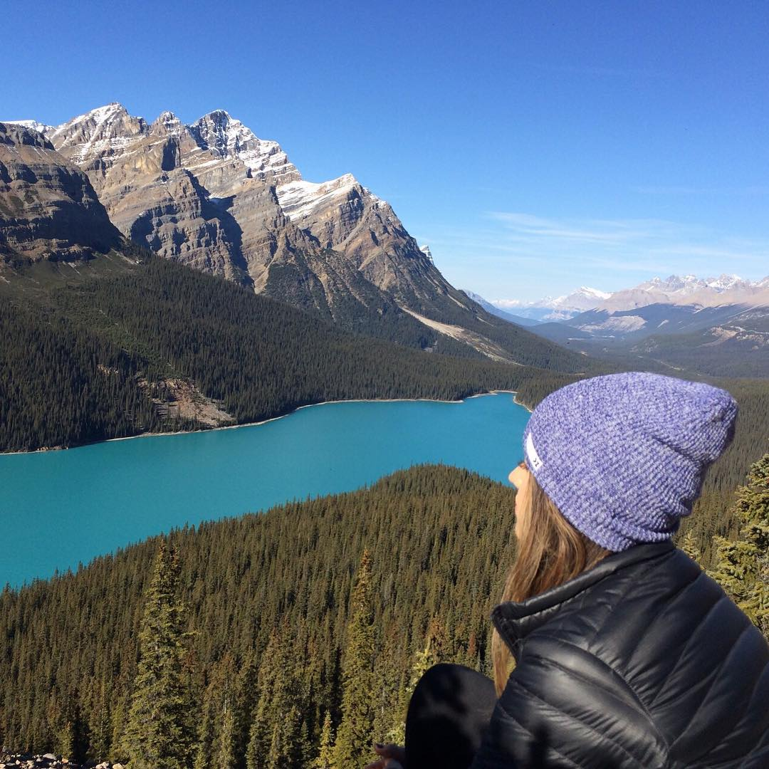 Explore new sights. @vanessaninette sports the Blue Heather beanie #Kameleonz #BeanieSeason #Explore #Canada