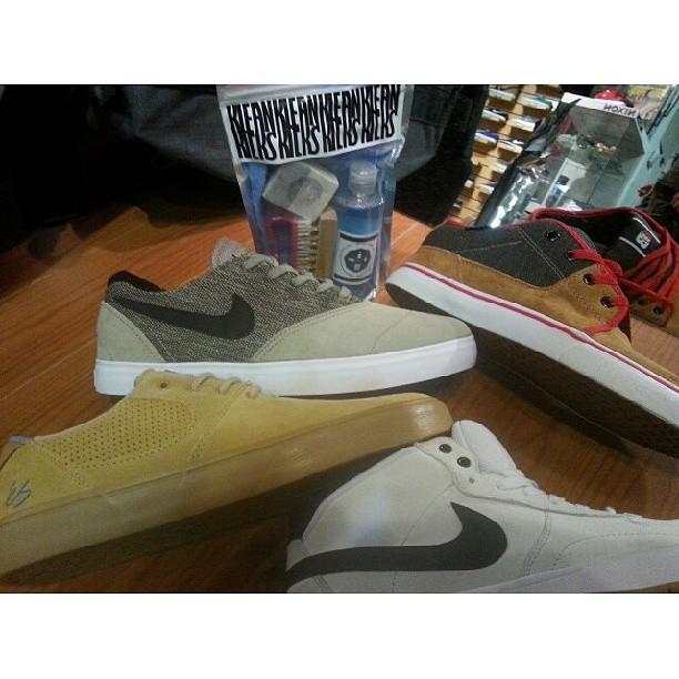 Limpiador de suede/descarne/gamuza #limpiadordezapas #kleankicksba #nikesb #eSfootwear #BluntFootwear