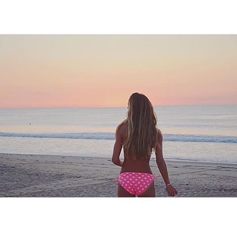 she dreams of sunset scenes #luvsurfgirl @emdorony #sunrise #sunset #luvsurf #wearthecalidream