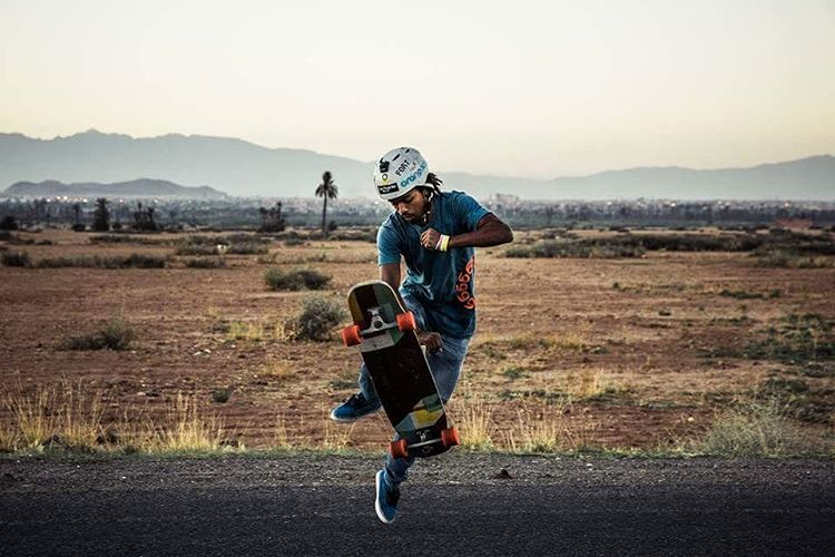 @yassineboundouq bringing the Aero Grab to the Moroccan desert.  #Orangatang #Orange #4prez