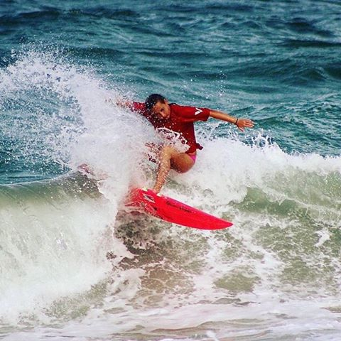 SHREDDED // Team rider @surfgypsy #luvsurfgirl #girlsgotskills #surf #luvsurf #wearthecalidream