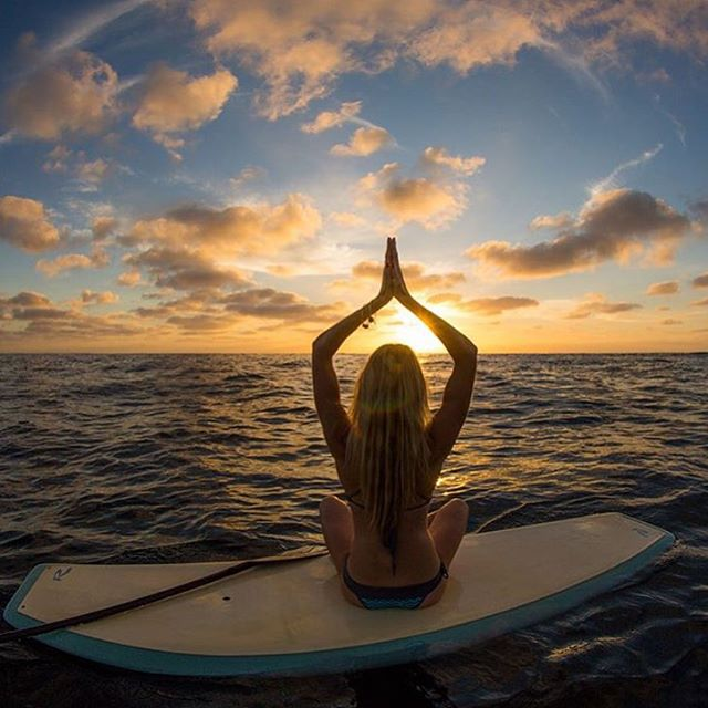 Very excited for ambassador @kathrynmccann for launching her new San Diego based venture @hangzenyogis as well as joining the @rivierapaddlesurf family! Congratulations Kathryn! ✨