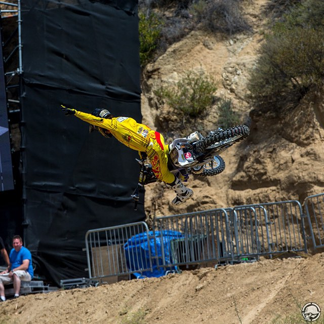 #TBT | @RobAdelberg styling out @RedBullXFighters #GlenHelen ⚡️ Wish him #GOODLUCK this wknd in #AbuDhabi •